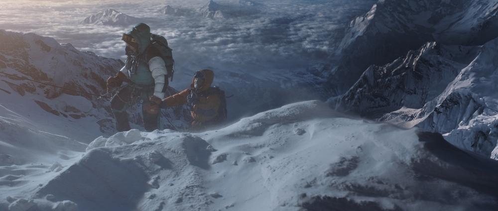 Everest: uno dei tanti momenti di azione del film diretto da Baltasar Kormákur