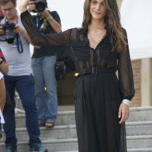 Venezia 2015: La madrina Elisa Sednaoui tra i fotografi