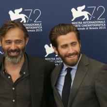 Everest: Baltasar Kormákur e Jake Gyllenhaal sorridono al photocall di Venezia 2015
