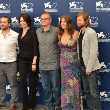 Venezia 2015: Cast e regista del film Un monstruo de mil cabezas al photocall