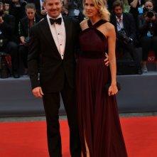 Venezia 2015: Scott Cooper sorride sul red carpet di Black Mass