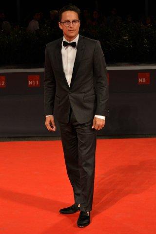 Venezia 2015: Cary Fukunaga sul tappeto rosso per Beasts of No Nation