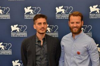 Venezia 2015: Luca Marinelli e Alessandro Borghi al photocall di Non essere cattivo