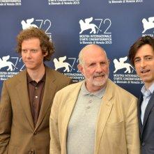 Venezia 2015: Brian De Palma, Noah Baumbach e Jake Paltrow in uno scatto al photocall per De Palma