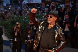 Venezia 2015: Vasco rossi sul red carpet per presentare Il decalogo di Vasco