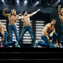 Magic Mike XXL: Channing Tatum, Kevin Nash e Joe Manganiello in azione sul palco con i loro compagni