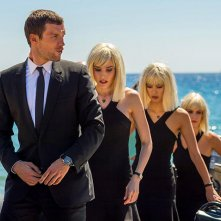 The Transporter Legacy: Ed Skrein in compagnia di tre donne bionde