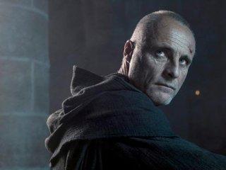 The Bastard Executioner: Timothy V. Ruskin interpreta Padre Ruskin