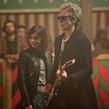 Doctor Who: i protagonisti Jenna Coleman e Peter Capaldi in The Magician's Apprentice