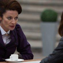Doctor Who: Michelle Gomez interpreta una scena con Jenna Coleman in The Magician's Apprentice
