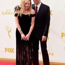 Fred Armisen con Natascha Lyonne agli Emmy 2015
