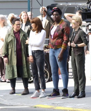 Ghostbusters: foto di gruppo sul set per Melissa McCarthy, Kristen Wiig, Leslie Jones e Kate McKinnon