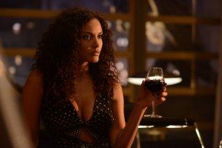 Gotham: Jessica Lucas in un'immagine dell'episodio Damned If You Do