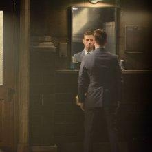 Gotham: Ben McKenzie in un'immagine dell'episodio Damned If You Do