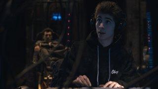 Game Therapy: Lorenzo Ostuni (Favij) e, sullo sfondo, Federico Clapis, in un'immagine del film