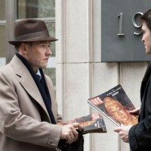 Life: Joel Edgerton e Robert Pattinson in una scena del film