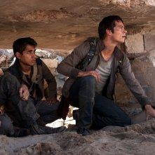 Maze Runner: La fuga, Dylan O'Brien e altri due protagonisti del film in una scena