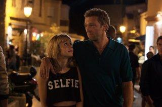 Un momento di follia: Vincent Cassel e Alice Isaaz in un'immagine del film