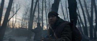 Revenant - Redivivo: Tom Hardy e Will Poulter in una scena del film