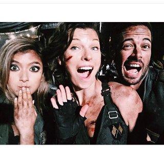 Resident Evil: The Final Chapter - Rola, Milla Jovovich e William Levy durante le riprese