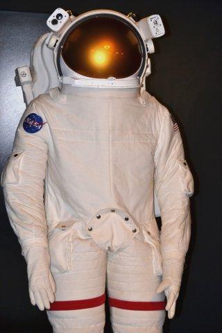 Una tuta spaziale nella sede dell'ASI