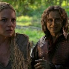 C'era una volta: Jennifer Morrison e Robert Carlyle in The Dark Swan