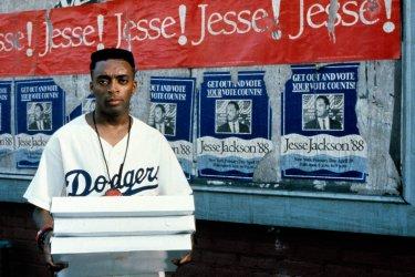Fa' la cosa giusta: Spike Lee in una scena del film