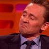 Tom Hiddleston imita Robert De Niro, convincendo persino la star