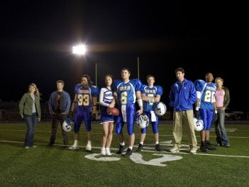 Friday Night Lights: una foto promozionale del cast