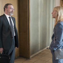 Homeland: Mandy Patinkin e Claire Danes nella puntata Separation Anxiety