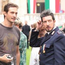 Natale col boss: il regista Volfango De Biasi in compagnia di Paolo Ruffini sul set del film