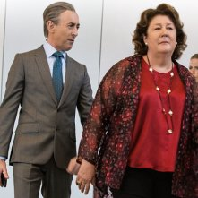 The Good Wife: Alan Cumming e Margo Martindale in Bond
