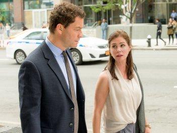 The Affair: Dominic west e Maura Tierney in un'immmagine del primo episodio