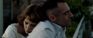 Alaska: Elio Germano ed Elena Radonicich in una scena del film