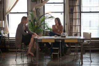 Mistress America: Lola Kirke con Greta Gerwig in un momento del film