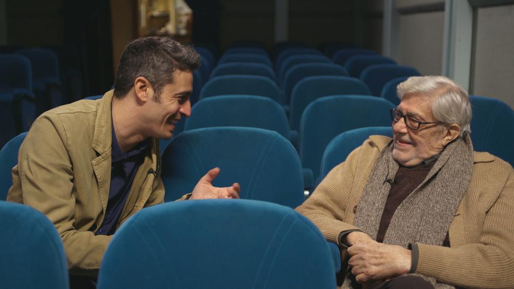 Ridendo e scherzando - Ritratto di un regista all'italiana: Pif ed Ettore Scola in un'immagine tratta dal documentario