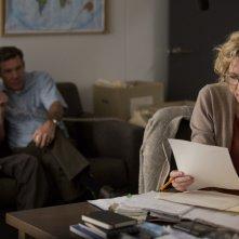 Truth: Cate Blanchett e, sullo sfondo, Topher Grace e Dennis Quaid in una scena del film