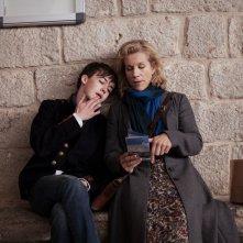 Departure: Alex Lawther e Juliet Stevenson in una scena del film