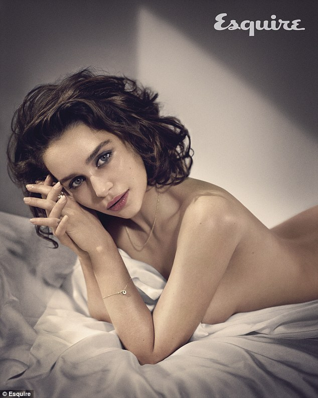 Emilia Clarke su Esquire nel 2015, eletta Sexiest Woman Alive