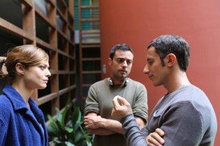 Monitor: Valeria Bilello, il cineasta Alessio Lauria e Michele Alhaique al lavoro sul set dell'opera prima