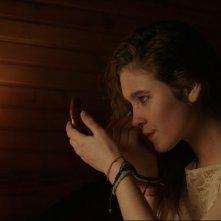 Raging Rose: un'inquadratura del film che ritrae Liv Henneguier
