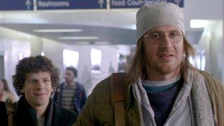 The End of the Tour: Jason Segel e Jesse Eisenberg in un momento del film