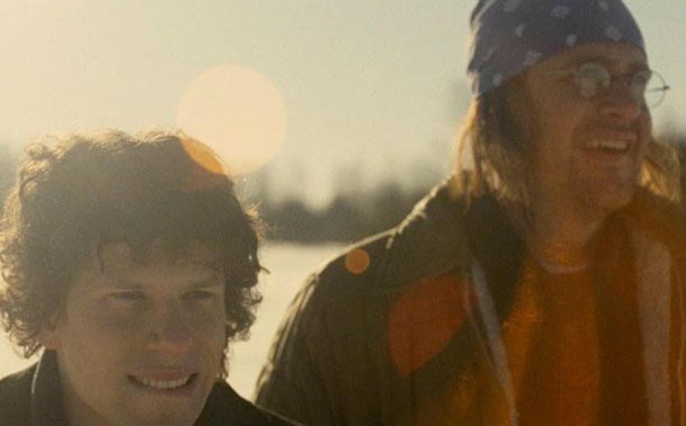 The End of the Tour: Jesse Eisenberg e Jason Segel in un momento del film