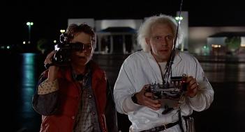 Ritorno al futuro: i protagonisti Michael J. Fox e Christopher Lloyd in una scena del film