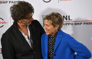 Roma 2015: Frances McDormand sorride a Joel Coen al photocall