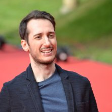 Roma 2015: Luca Denaro, doppiatore di Paura, posa sul red carpet di Inside Out