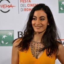 Roma 2015: Laëtitia Eïdo sorride al photocall della serie Fauda