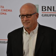 Roma 2015: Alex Gibney mentre posa al photocall di Sinatra: All or Nothing at all
