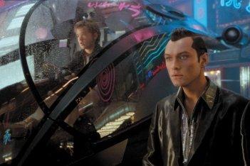 A.I. Intelligenza artificiale: Jude Law e Haley Joel Osment in una scena