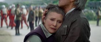 Star Wars: Episodio VII - Il risveglio della Forza: un abbraccio tra Carrie Fisher e Harrison Ford nel trailer finale del film